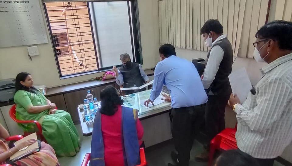 Dr Chahande reviews Jaljeevan, Swachh Bharat Mission