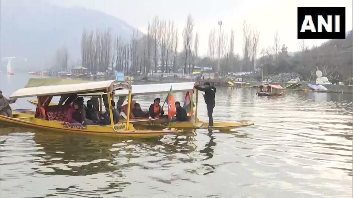 जम्मू-काश्मीर निवडणुकीत शिकारा रॅली