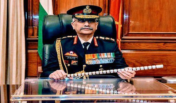Army chief visits forward areas along LAC