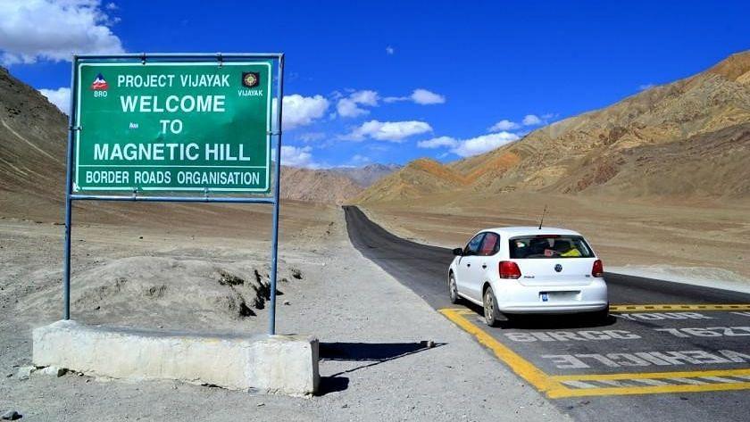देशातील 'या' ठिकाणी पेट्रोल आणि डिझेल शिवायच चालतात वाहनं