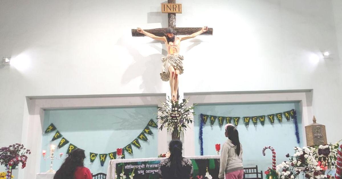 Photo Gallary : सामुहिक प्रार्थना, शुभेच्छांच्या वर्षावात नाताळ साजरा