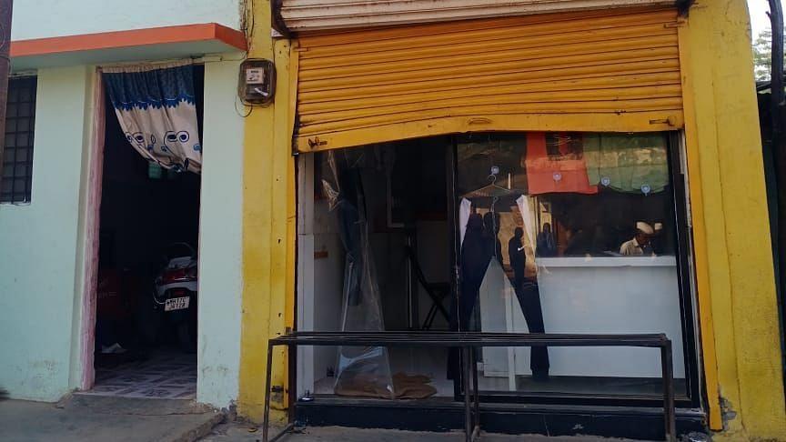 चोरटयांनी दुकान व घर फोडले; रोख रक्कमेसह मुद्देमाल लंपास