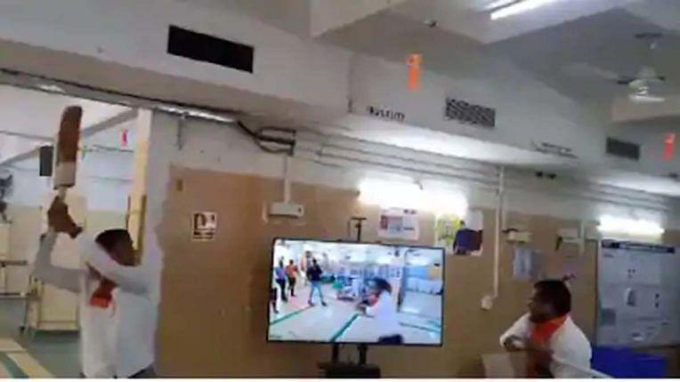 मनसे आक्रमक : अॅमेझॉनच्या पुणे, मुंबईतील कार्यालयांची तोडफोड