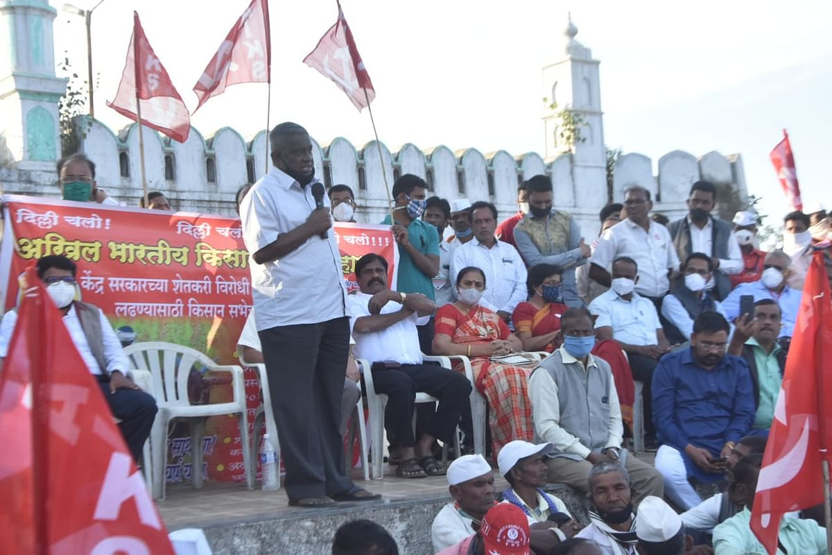 Farmers embark on march to join stir in Delhi