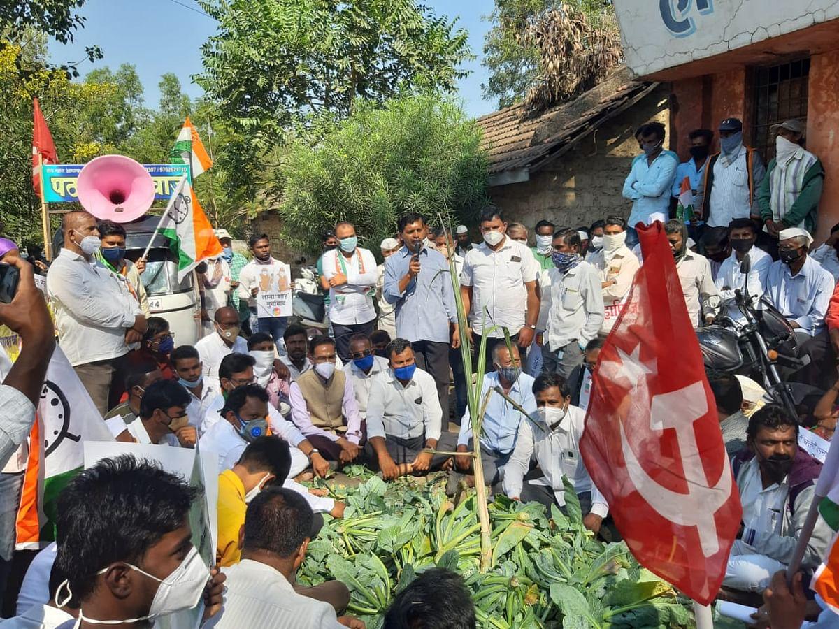 दिल्लीतील शेतकरी आंदोलनाला पाठिंबा देण्यासाठी अकोल्यात मोर्चा