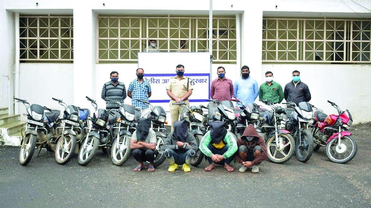 शहादा तालुक्यातून चोरीच्या ११ मोटरसायकली जप्त