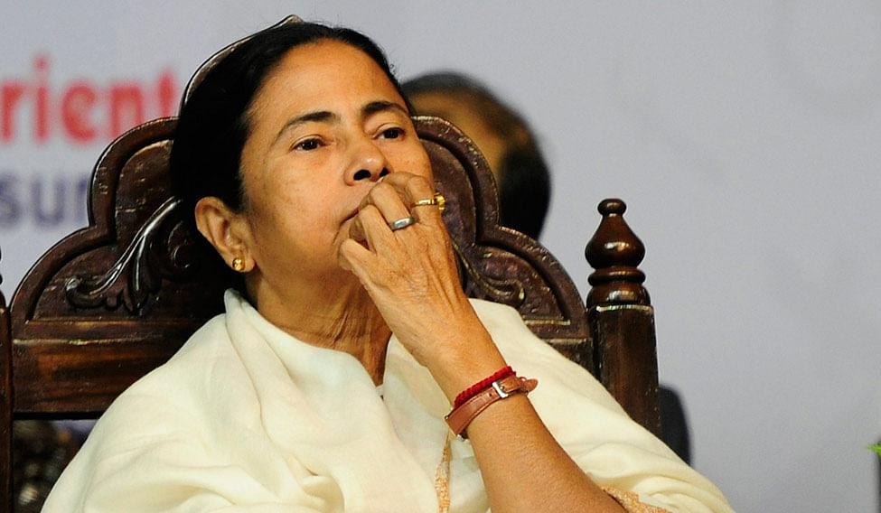 ममता बॅनर्जींना आणखी एक धक्का; मंत्री लक्ष्मी रतन शुक्ला यांनी दिला राजीनामा