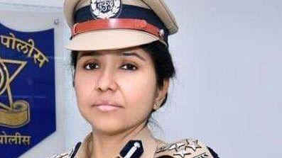 डॉ. आरती सिंह ठरल्या 'कोविड वुमन वॉरिअर्स द रिअल हीरो'