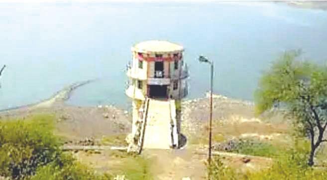 Start water supply scheme else face road blockade: Hiray