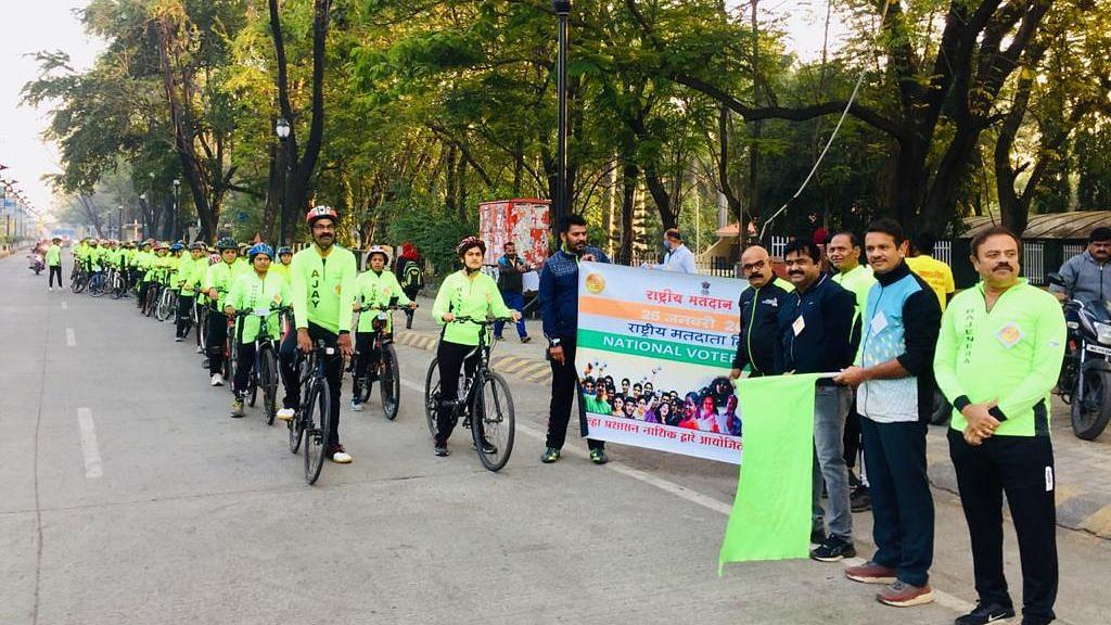 राष्ट्रीय मतदान दिनानिमित्त 'सायकल रॅली'