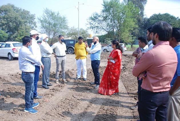 Kharjul inspects proposed bus depot at Nashik Road
