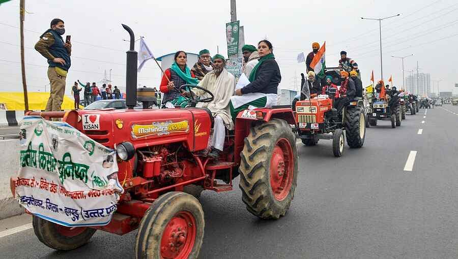 शेतकरी आंदोलन : ट्रॅक्टर रॅलीला सुरुवात