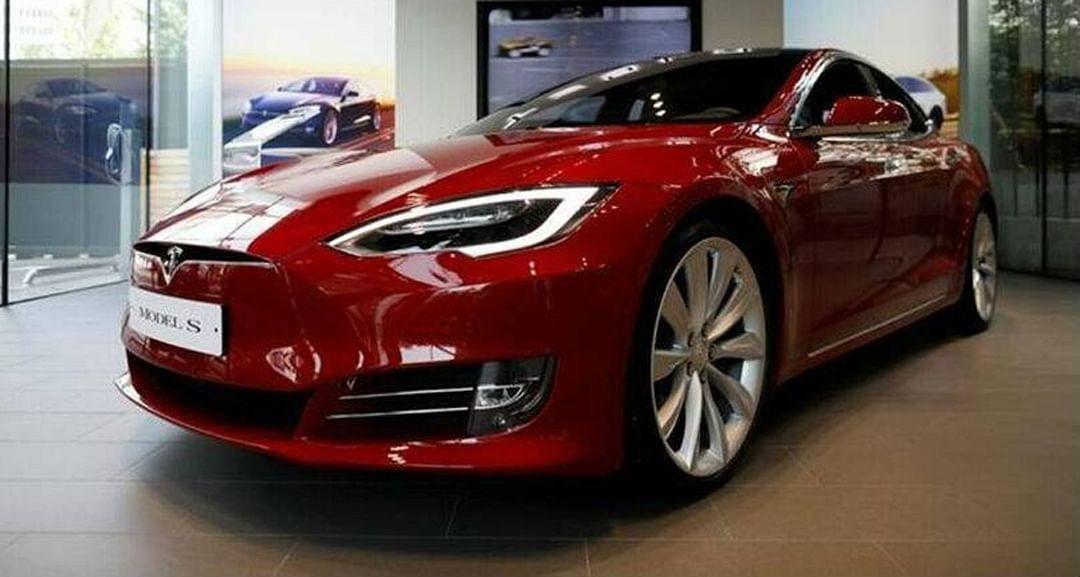 भारतात धावणार टेस्लाची इलेक्ट्रिक कार