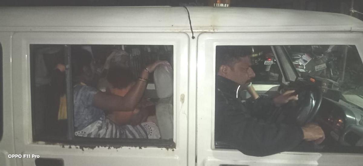 पोलीसांकडून माणुसकीचे दर्शन!; भल्या पहाटे गरोदर महिलेस पोहचवले दवाखान्यात