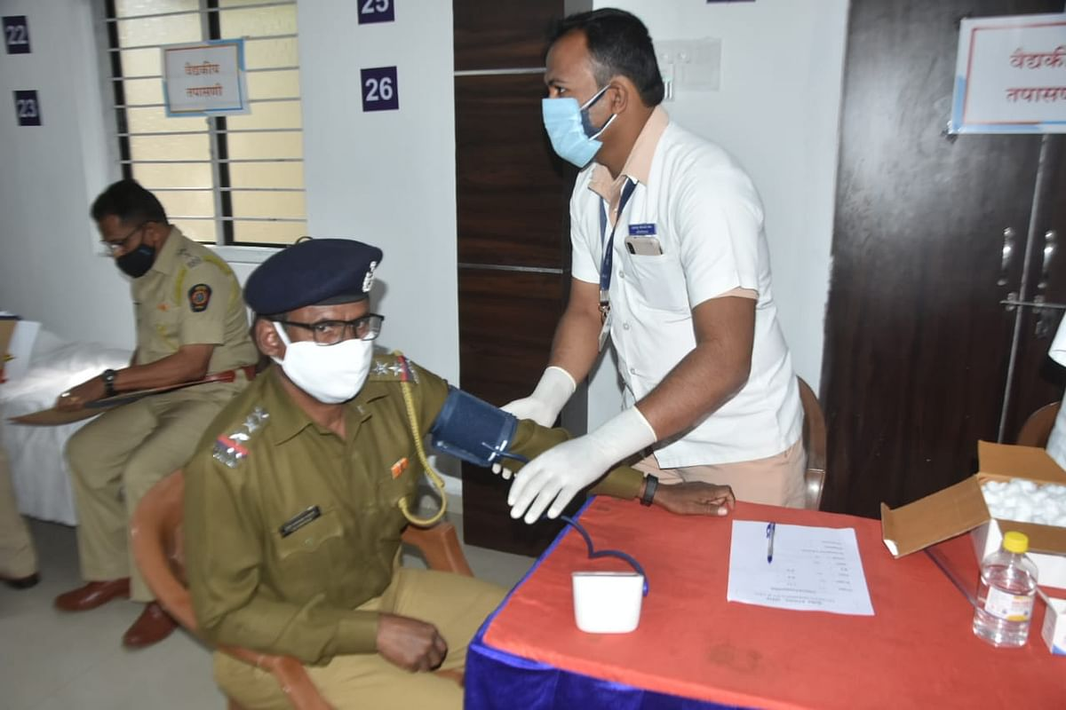 Quit addictions: CP Pandey to cops