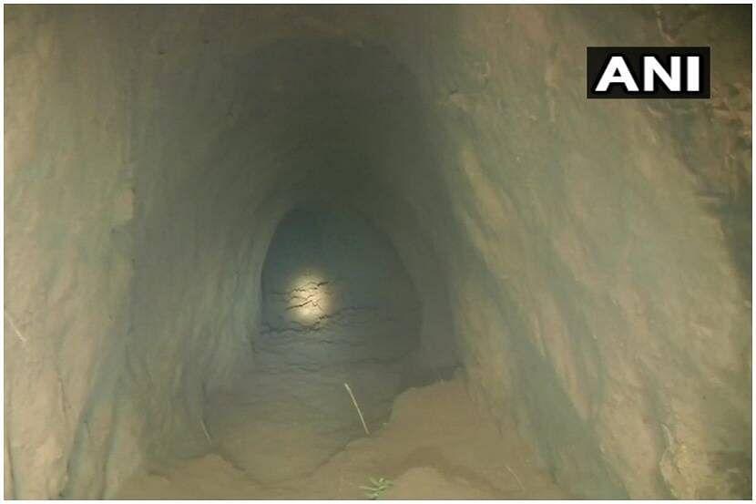 पाकची कुरापत : भारतात घुसखोरीसाठी बनवला  150 मीटर लांब बोगदा