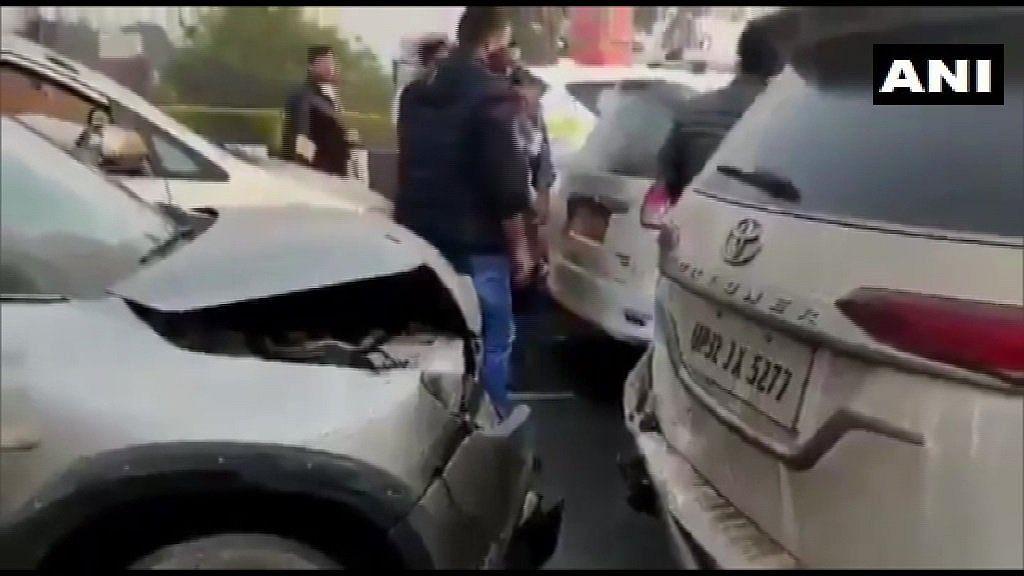 प्रियंका गांधी बचावल्या; ताफ्यातील चार गाड्यांची एकमेकांना धडक