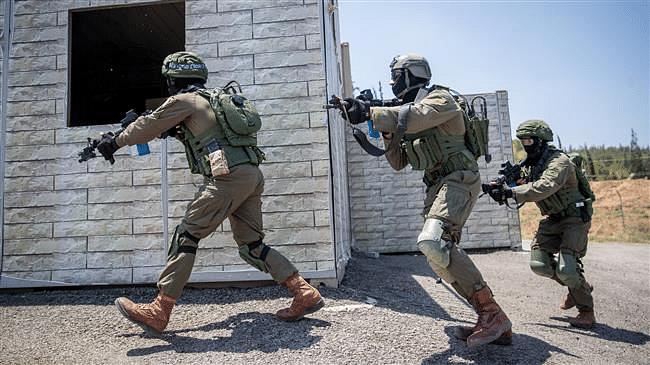 इराणचा पाकवर सर्जिकल स्ट्राईक ; दोन सैनिकांची केली सुटका