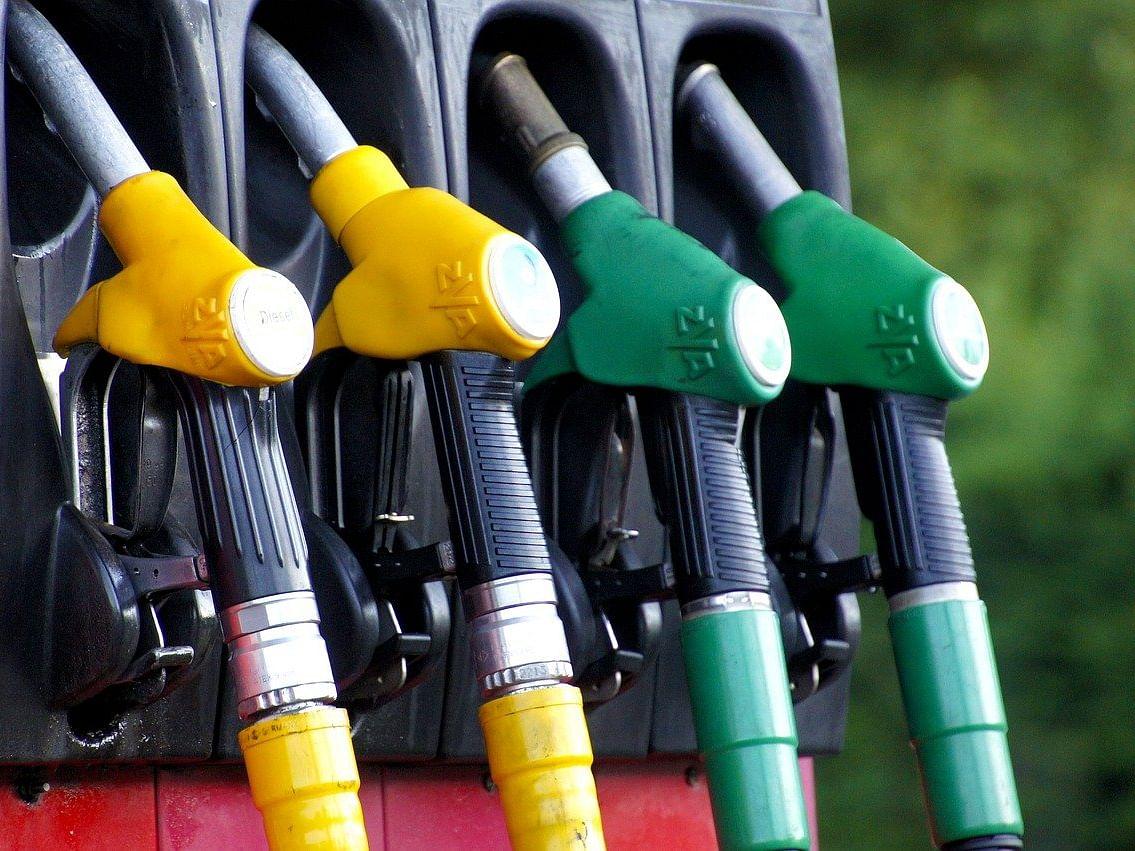 पेट्रोल-डिझेलच्या दरात तीन दिवसांच्या विश्रांतीनंतर पुन्हा वाढ