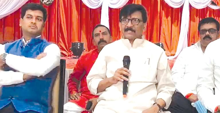 Suggest measures to reduce fuel prices: MP Raut to Fadnavis
