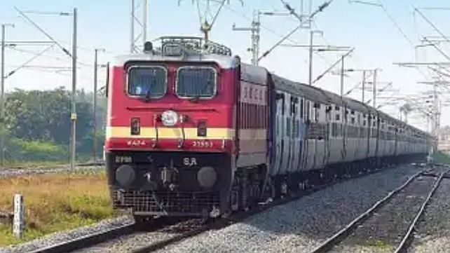 Central Railway cracks down against touts