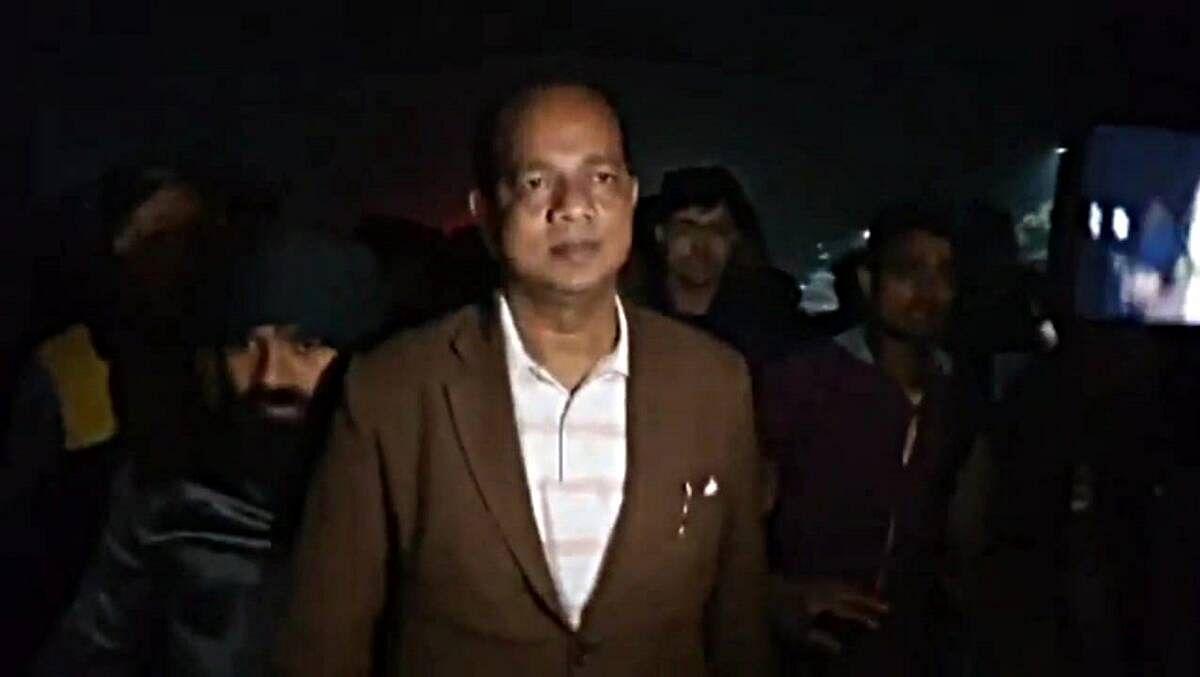 धक्कादायक! पश्चिम बंगालमध्ये राज्यमंत्र्यांवर बॉम्बहल्ला