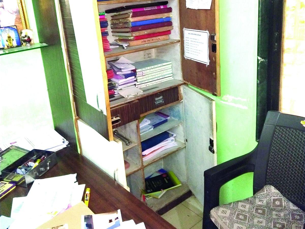 शिरसोली प्र.न.येथील ग्रामपंचायत कार्यालय फोडले