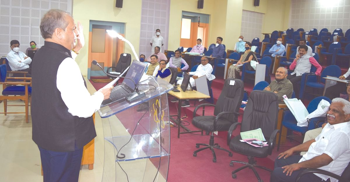 Need to give scope for students' research attitude: Dr Mhaisekar