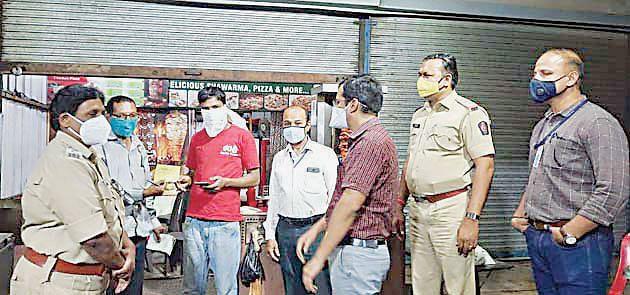 ग्राहकांची गर्दी; दुकानदारांना दंड