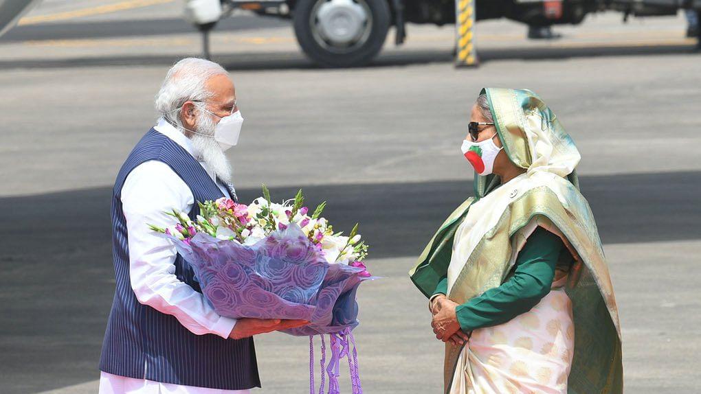 Photo : पंतप्रधान नरेंद्र मोदी बांगलादेशमध्ये दाखल