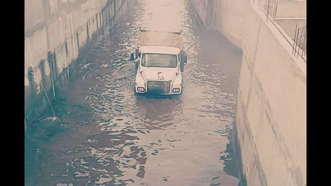 Video : भुयारी मार्ग बनला जलमार्ग