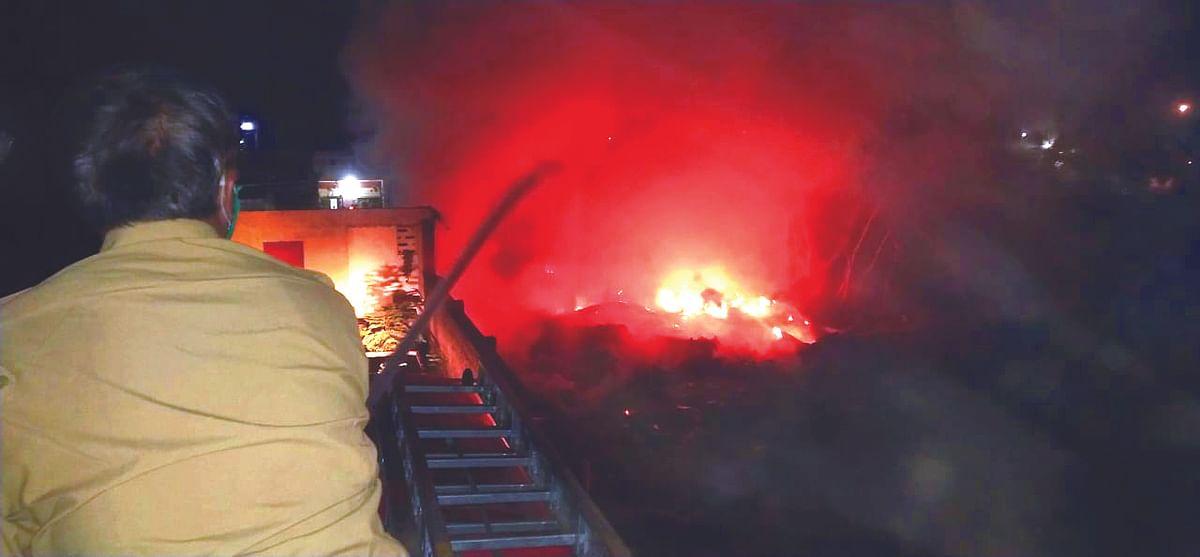 एमआयडीसीतील बंद केमिकल कंपनीला आग