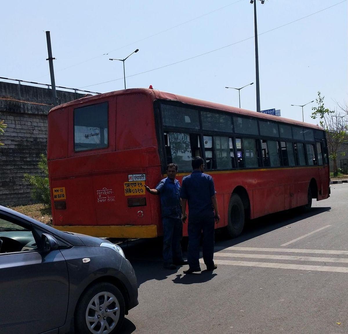 बंद बसच्या दुरुस्तीसाठी आलेली बसही पडली बंद