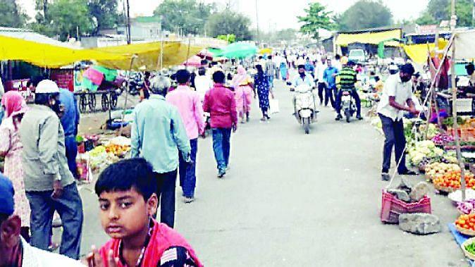 देवळाली गावात सोमवार आठवडे बाजार सुरुच