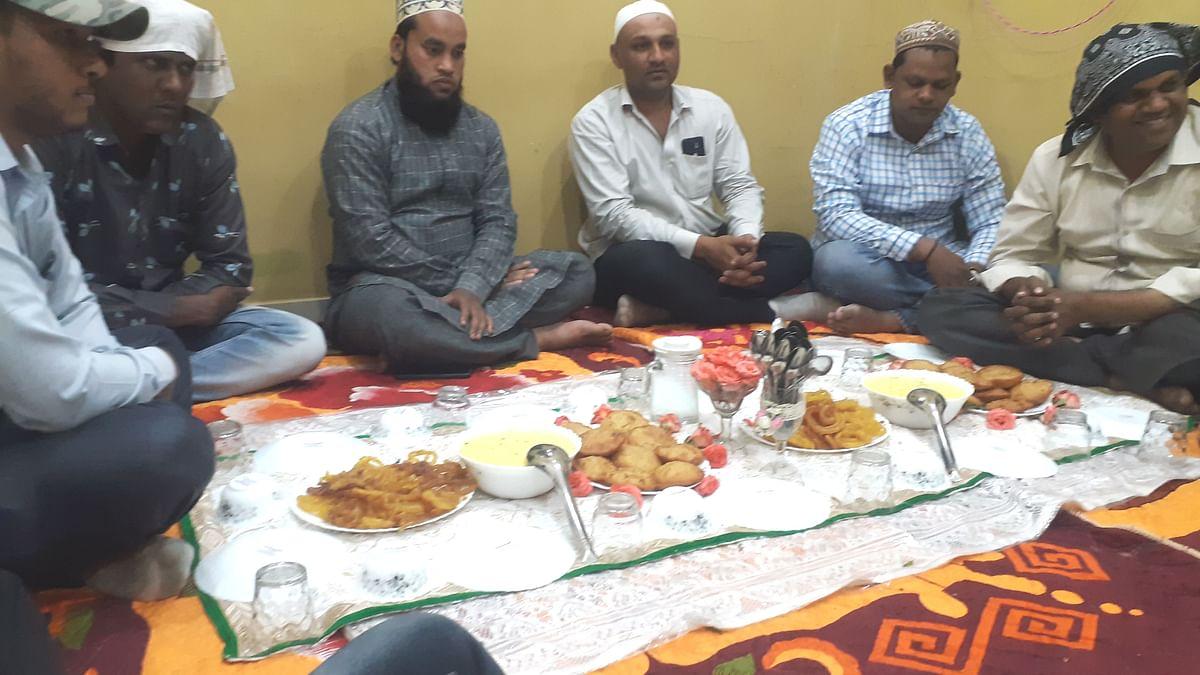 रज्जब सणानिमित्त मुस्लिम बांधवांच्या घरी खीर-पुरीवर फातेहा