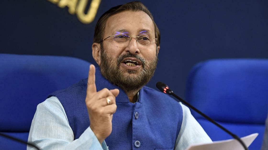 'महाराष्ट्रात ५६ टक्के लसीचा वापरच झालेला नाही'