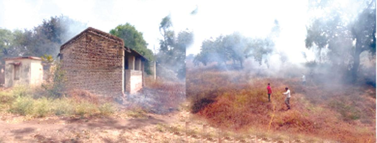 पाथर्डी तालुका कृषी अधिकारी कार्यालय परिसराला आग