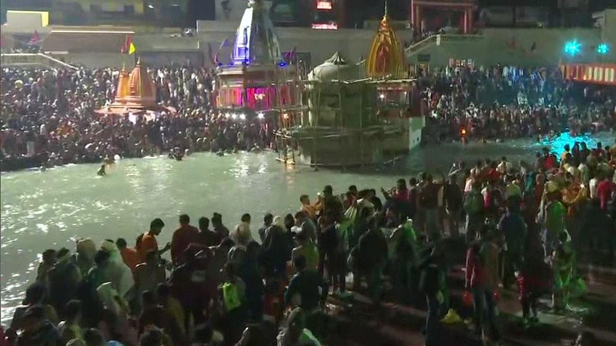 Kumbh Mela 2021 : कुंभमेळ्यात अनेकांना करोनाची लागण; उत्तराखंडचे मुख्यमंत्री म्हणतात...