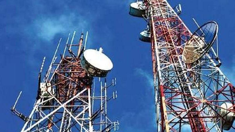 जळगाव : पाच मोबाईल टॉवर सील