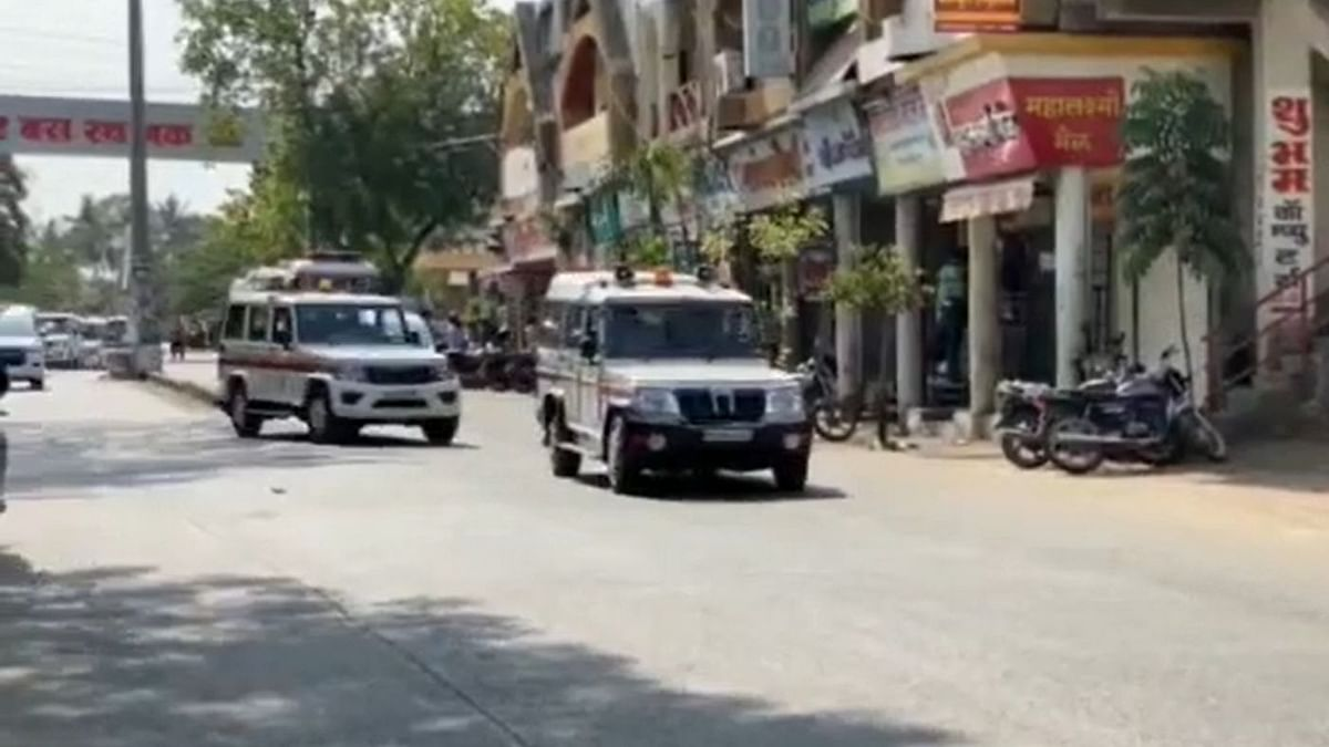 Video : संगमनेरात प्रशासन-पोलिसांचा रूटमार्च