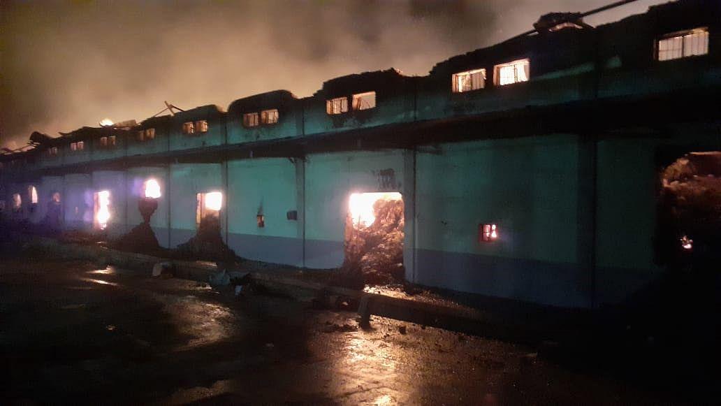 वखार महामंडळाच्या गोदामाला लागलेल्या आगीत 22 कोटी रुपयांचे नुकसान