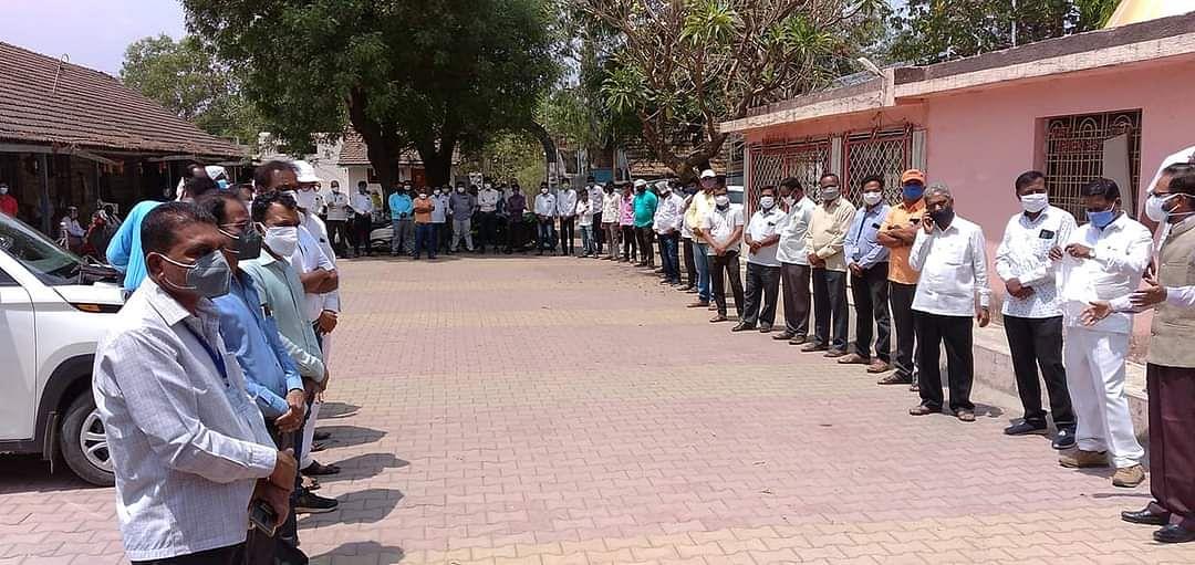 Video : अकोले तहसील कार्यालयावर जोरदार आंदोलन