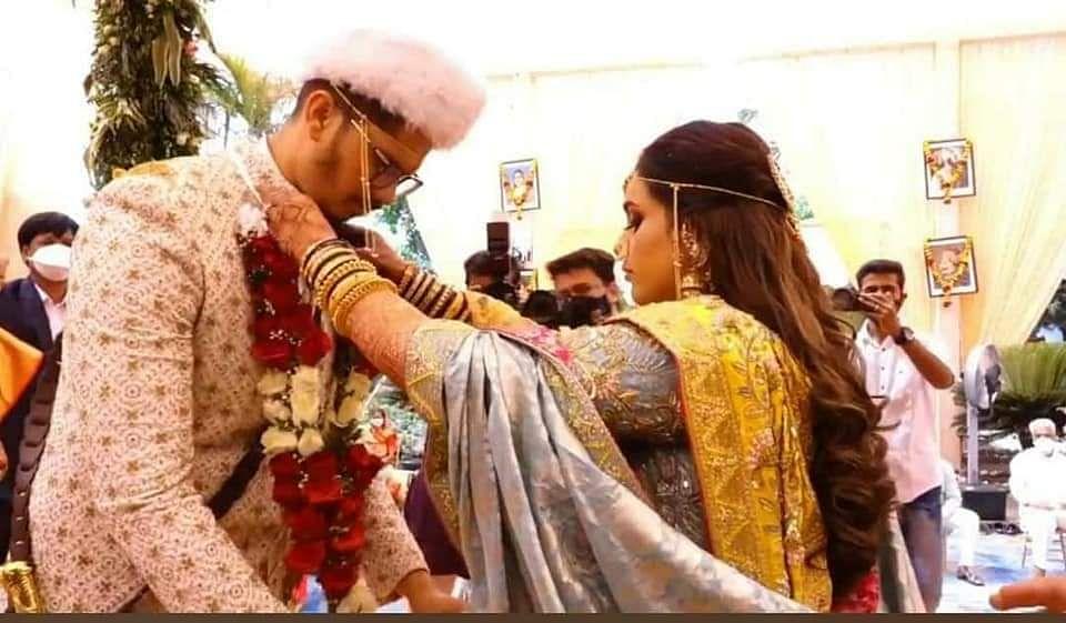 मोजक्या वऱ्हाडींच्या उपस्थितीत पार पडले कृषीमंत्री दादा भुसेंच्या मुलाचे लग्न