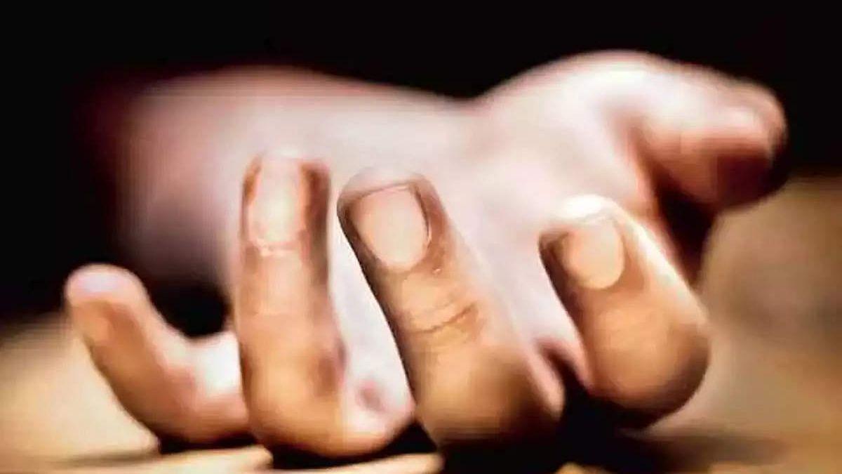 तरुणांच्या त्रासाला कंटाळून अल्पवयीन मुलीची आत्महत्या