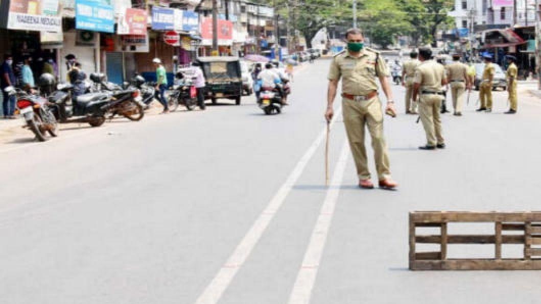 औरंगाबाद शहरात येणाऱ्या रस्त्यांवर पोलिसांचा तगडा बंदोबस्त तैनात