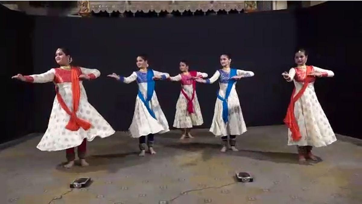 Video : होळीचे रंग : नाशिकमधील विविध संस्थांमधील नृत्याविष्कार