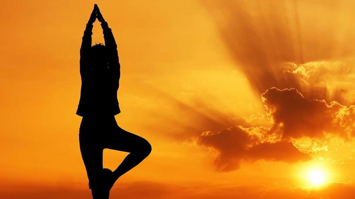 घरी करा हे 3 योगासन तंदुरुस्त राहा