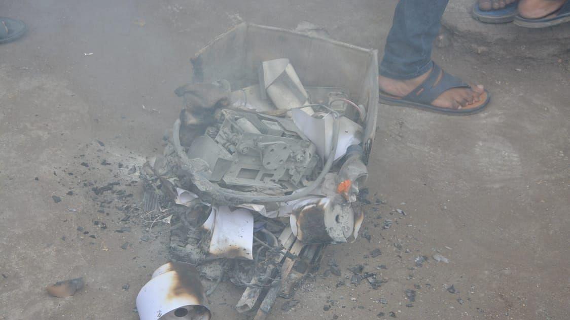नवीपेठेतील कॅनरा बँकेच्या एटीएममध्ये आग