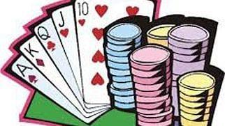 शहरात तीन जुगार अड्यांंवर धाड
