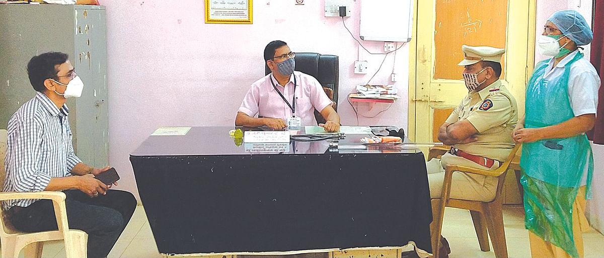वैद्यकीय अधिक्षक डॉ.ललितकुमार चंद्रे यांचा पदभार काढला